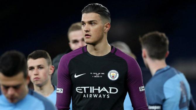 E fundit/ Kosova nuk ndalet, portieri i Manchester City pajiset me pasaportën