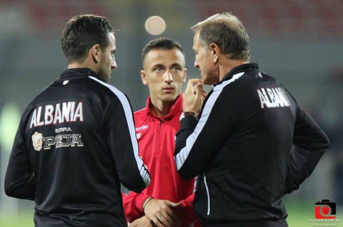 E bujshme/ Për herë të parë në karrierë, Ergys Kaçe mund të largohet nga Greqia