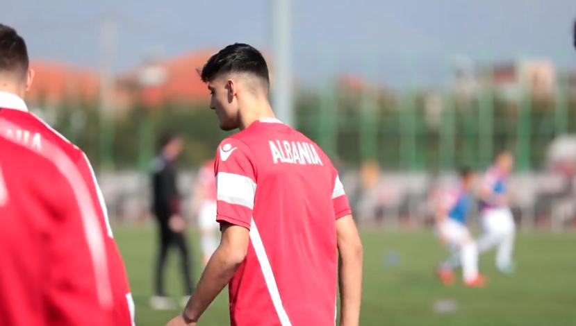 Trajneri i Shqipërisë e zbulon, Dede: Jemi këtu për talentet e marra nga Anglia!