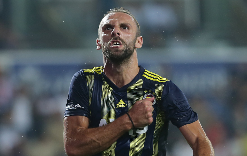 I mohuan penallti të pastër, Vedat Muriqi jep tjetër gol për Fenerbahçen