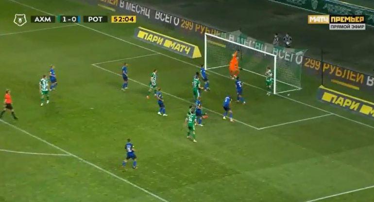 """VIDEO/ Roshi """"merr flakë"""" me 2 gola në 8 minuta, vjen edhe me gjysmë-roveshatë"""